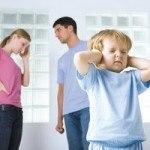 Families spend four days a year arguing (Семьи проводят четыре дня в году ругаясь)