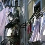Washing lines 'a health and safety risk' (Бельевые веревки 'угрожают здоровью и безопасности')